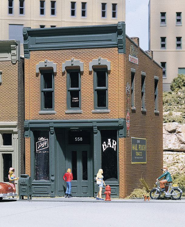 Kelly's Saloon - HO Scale Kit