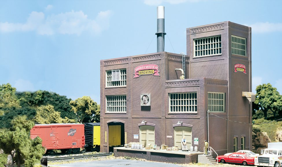 Ho scale building painting