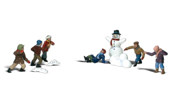 Snowball Fight - HO Scale