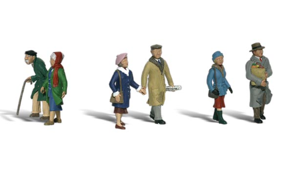 Couples in Coats - HO Scale