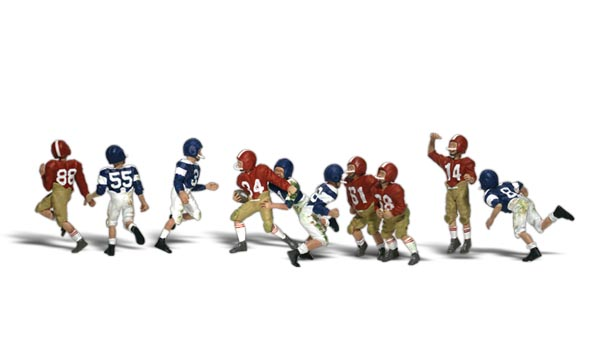 Youth Football Players - N scale