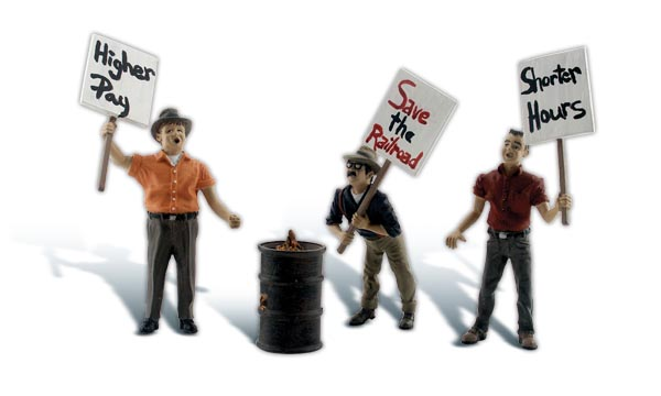 Striking Picketers - G Scale