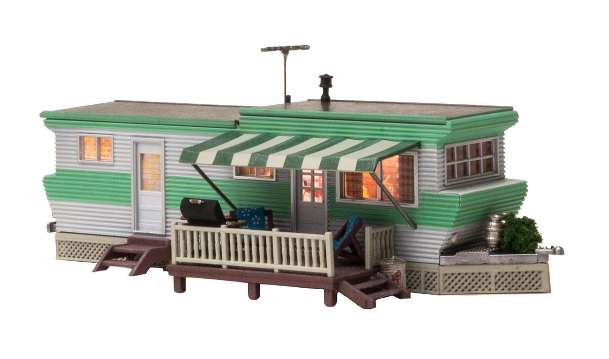 Woodland BR4950 N Built-Up Grillin' & Chillin' Trailer