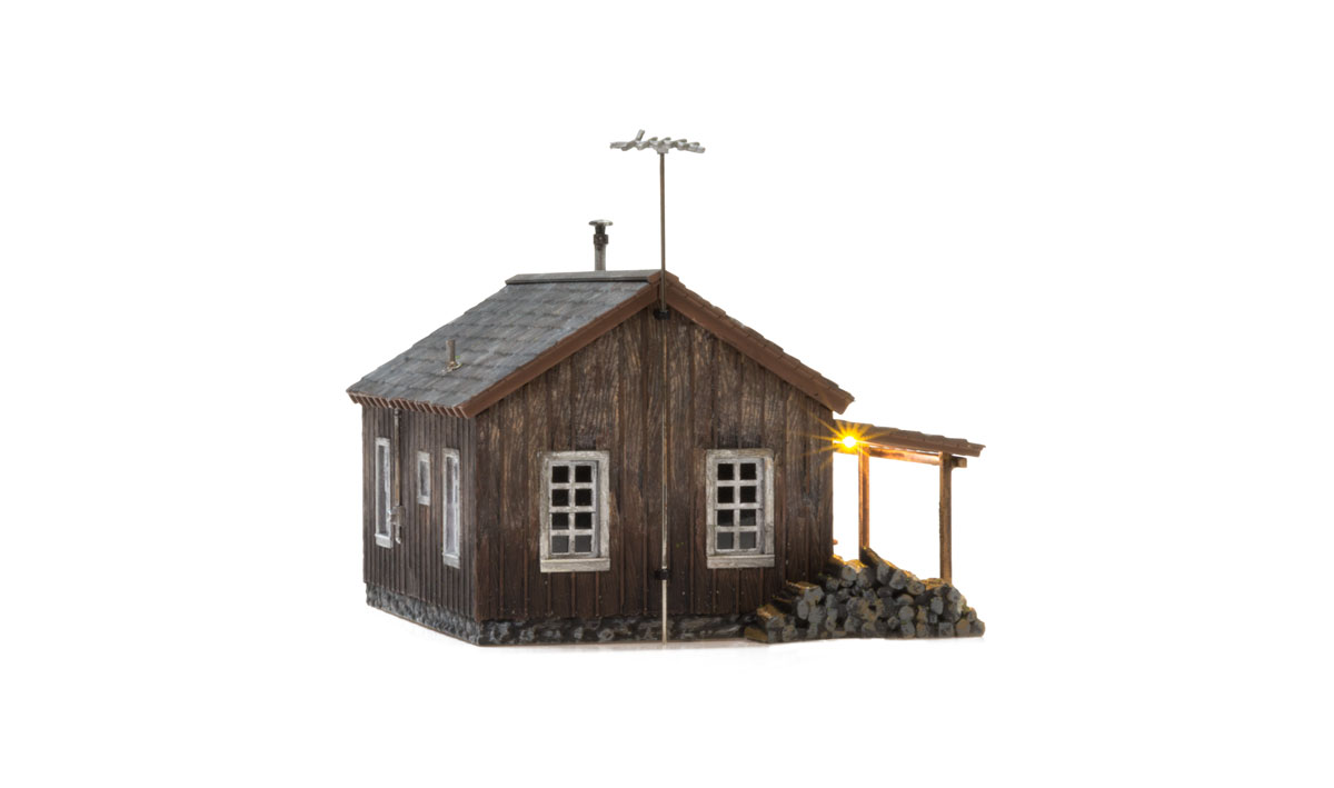 Rustic Cabin - HO Scale