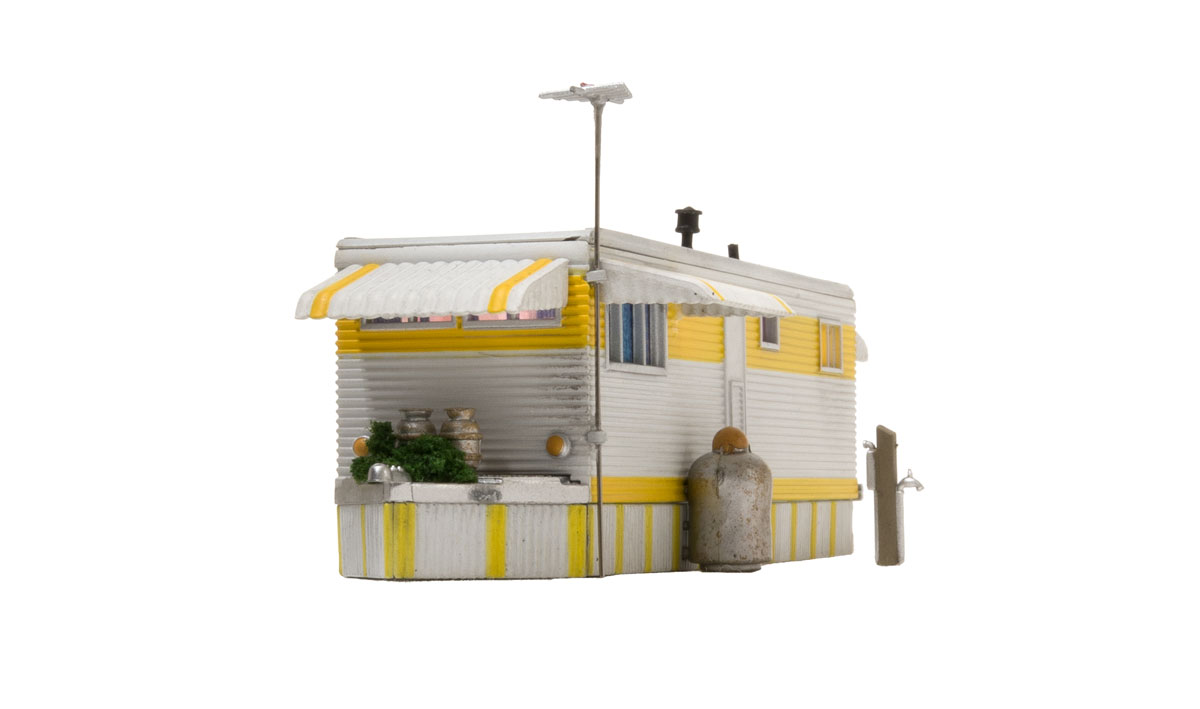 New  Woodland Structure O Scale Sunny Days Trailer Built-/&-Ready BR5863