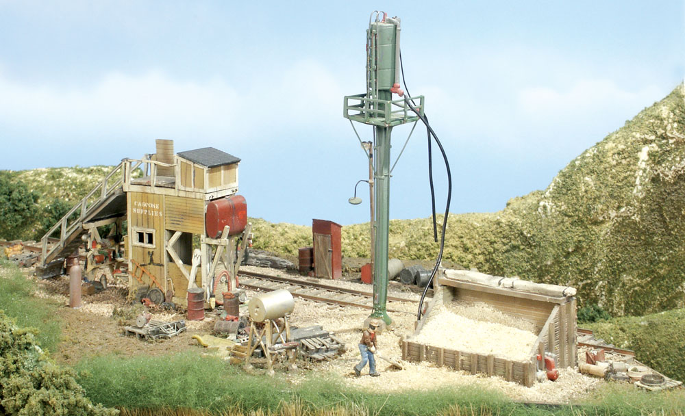 Caboose & Sand Facility HO Scale Kit